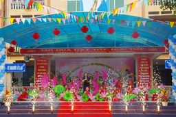 English Festival for Le Loi Primary School Students - Happy Vietnamese Teachers' Day